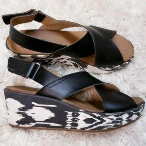 Clarks Comfort Soft Cushion Wedge Womens Sandals